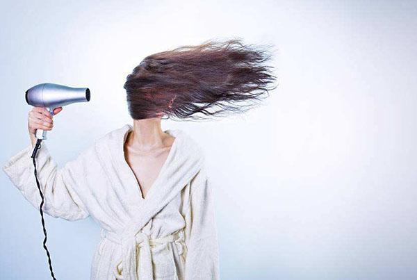 """""""赫芸""""来科普:硅油洗发水的危害是真是假?"""