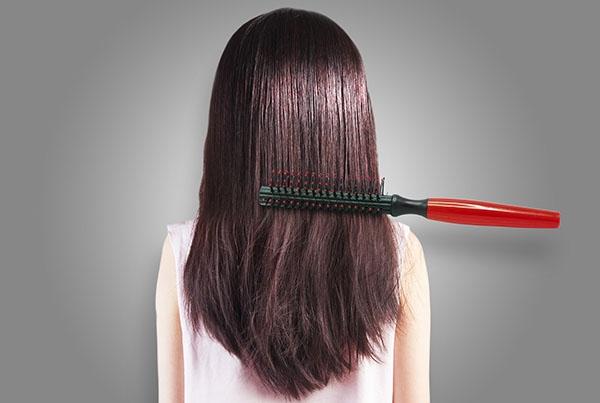 """硅油到底是什么,究竟含不含硅油对我们的头发影响大吗?""""赫芸""""来讲解:"""