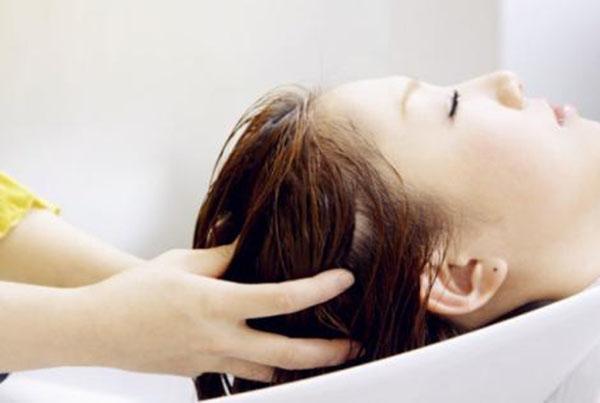 选洗发水选到头昏眼花了?美鑫源告诉您洗发水怎么选!