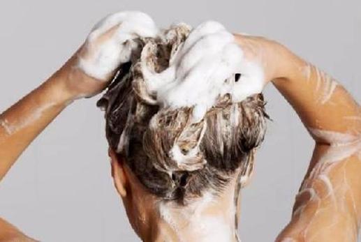 """洗发水什么作用值得出钱?必须常常换吗?""""赫芸""""来讲解:"""