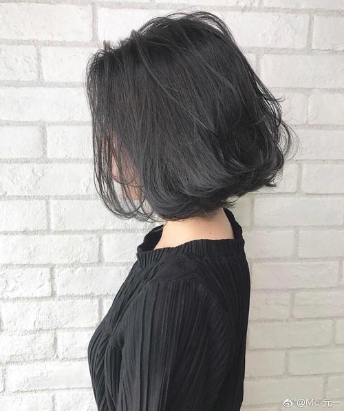 洗发水加工厂家美鑫源分享:头屑的产生多是自身不良习惯造成的